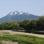 初夏の岩木山