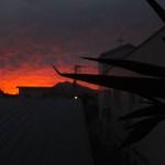 燃えてるような夕焼けの空