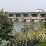 利根川と江戸川の合流地点で