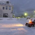除雪に奮闘する石川牧師